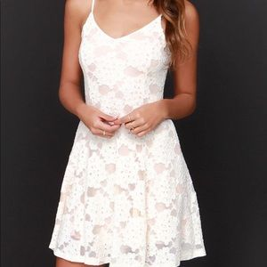Lulu's white floral overlay mini dress small